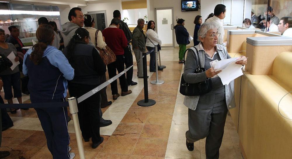 El defensor del contribuyente critica la forma en que Hacienda controla el IVA